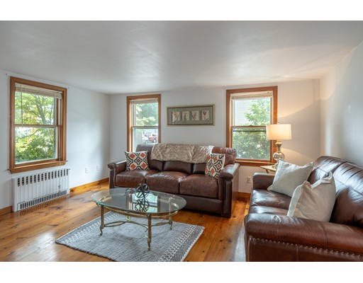 Picture 10 of 36 Hemingway St  Winchester Ma 3 Bedroom Single Family