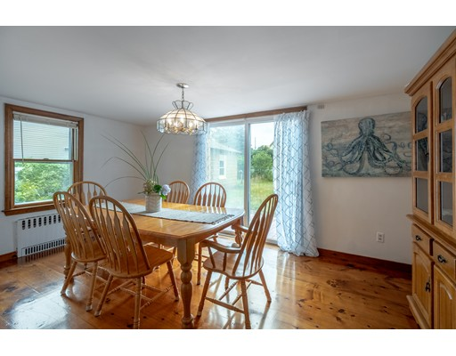 Picture 12 of 36 Hemingway St  Winchester Ma 3 Bedroom Single Family