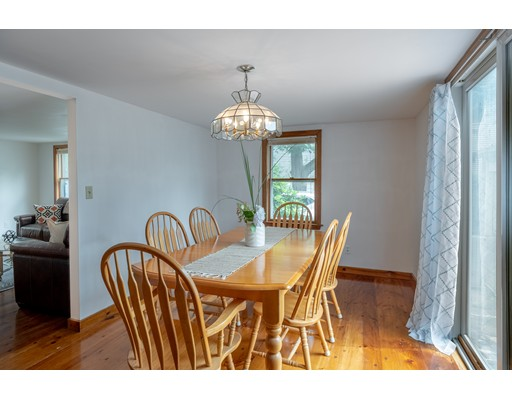 Picture 13 of 36 Hemingway St  Winchester Ma 3 Bedroom Single Family