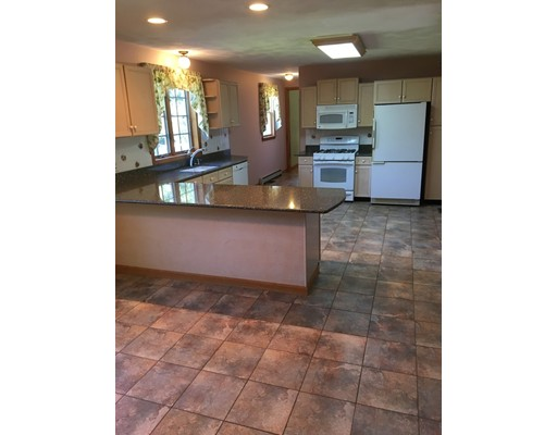 Picture 4 of 26 Sable Run Lane  Methuen Ma 3 Bedroom Single Family