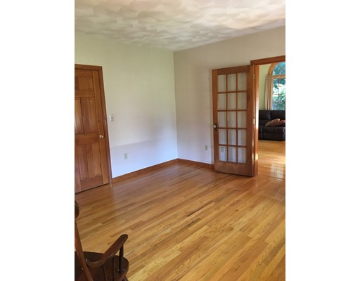Picture 6 of 26 Sable Run Lane  Methuen Ma 3 Bedroom Single Family