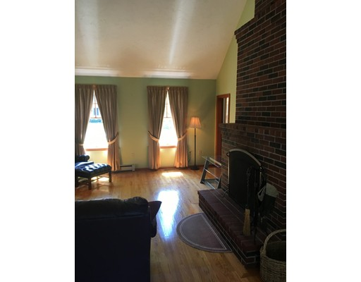 Picture 7 of 26 Sable Run Lane  Methuen Ma 3 Bedroom Single Family