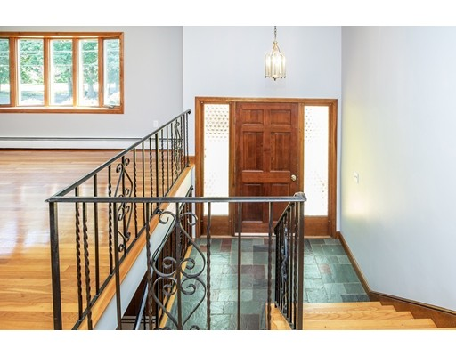 Picture 5 of 156 Summer St  Danvers Ma 3 Bedroom Single Family