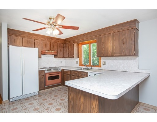 Picture 7 of 156 Summer St  Danvers Ma 3 Bedroom Single Family