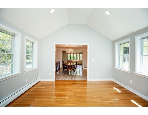 Picture 8 of 156 Summer St  Danvers Ma 3 Bedroom Single Family