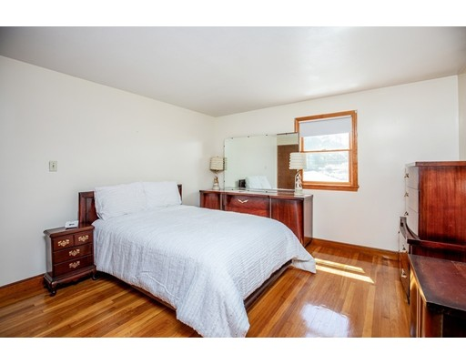 Picture 10 of 156 Summer St  Danvers Ma 3 Bedroom Single Family