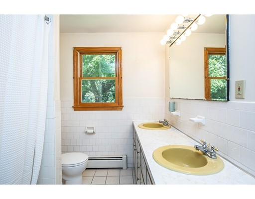 Picture 13 of 156 Summer St  Danvers Ma 3 Bedroom Single Family
