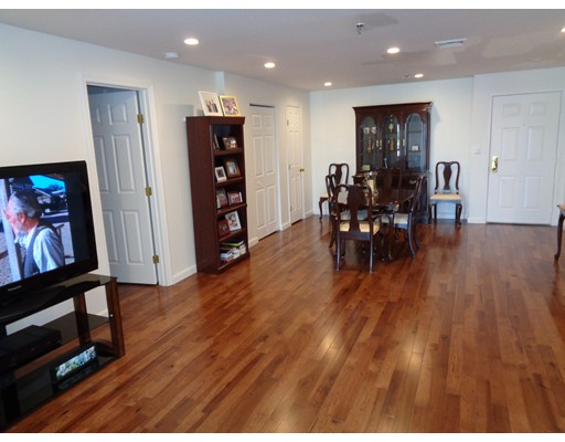 Picture 4 of 3920 Mystic Valley Pkwy Unit 302 Medford Ma 2 Bedroom Condo