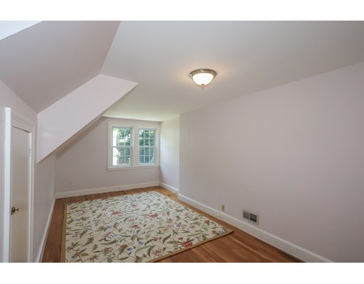 Picture 9 of 153 Lafayette St  Marblehead Ma 4 Bedroom Single Family