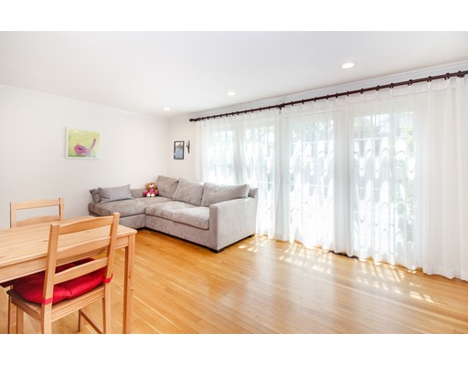 Picture 3 of 11 Oak St Unit 61 Wellesley Ma 2 Bedroom Condo