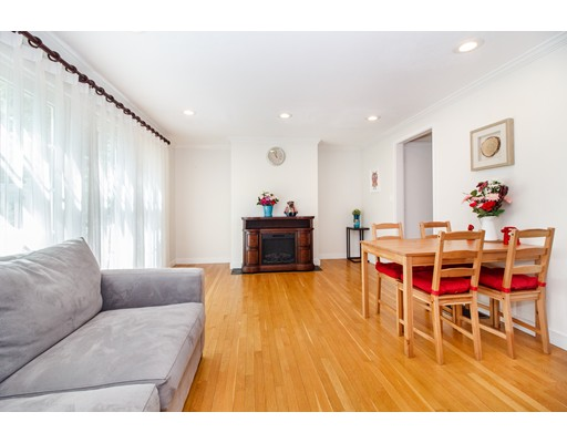 Picture 4 of 11 Oak St Unit 61 Wellesley Ma 2 Bedroom Condo