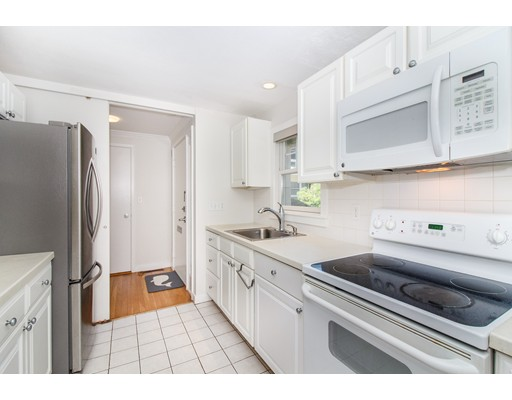 Picture 6 of 11 Oak St Unit 61 Wellesley Ma 2 Bedroom Condo
