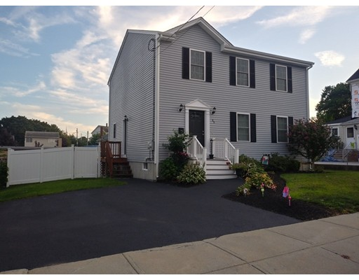 89 Grinnell St, Fall River, MA 02721