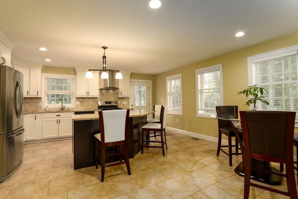 Fine 156 Hampden Rd East Longmeadow Ma Massachusetts Home Interior And Landscaping Palasignezvosmurscom