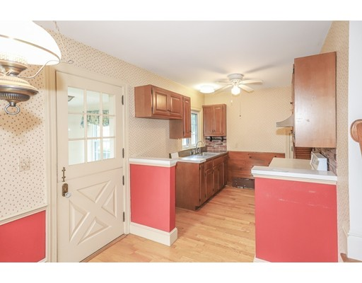 Picture 6 of 56 Ferry Rd  Newburyport Ma 3 Bedroom Single Family