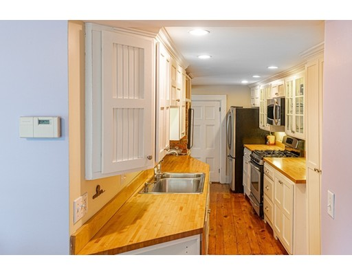 Picture 8 of 11 Rowland St  Marblehead Ma 2 Bedroom Single Family