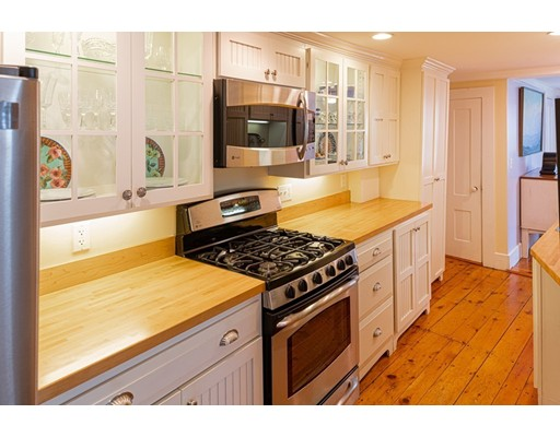 Picture 9 of 11 Rowland St  Marblehead Ma 2 Bedroom Single Family