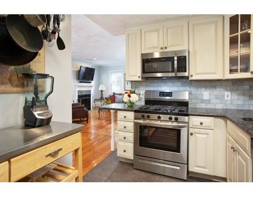 Picture 4 of 7 Lexington St Unit 1 Boston Ma 2 Bedroom Condo