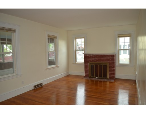 Picture 4 of 25 South Bayfield Rd  Quincy Ma 3 Bedroom Single Family