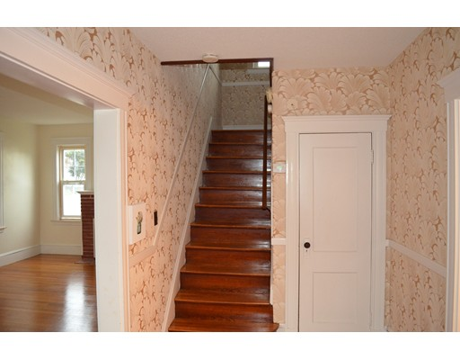 Picture 6 of 25 South Bayfield Rd  Quincy Ma 3 Bedroom Single Family