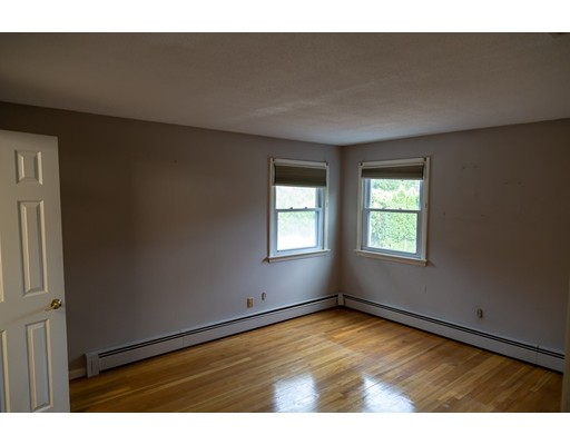 Picture 13 of 4 Joyce Rd  Peabody Ma 3 Bedroom Single Family