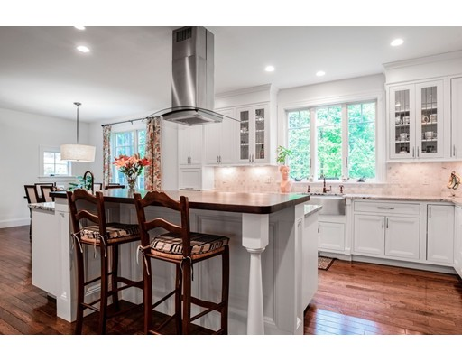 Picture 6 of 122 Crescent Rd  Concord Ma 5 Bedroom Single Family