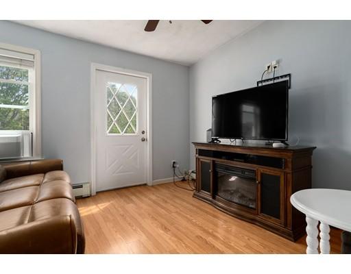 Picture 4 of 211 London St Unit 2 Boston Ma 2 Bedroom Condo