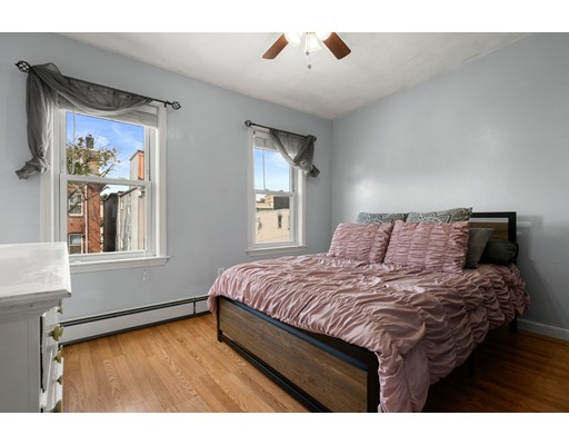 Picture 5 of 211 London St Unit 2 Boston Ma 2 Bedroom Condo
