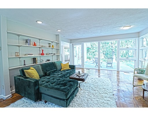 Picture 5 of 102 The Valley Rd  Concord Ma 4 Bedroom Single Family