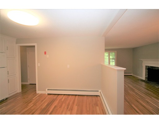 Picture 6 of 10 Silverbrook Rd  Topsfield Ma 3 Bedroom Single Family