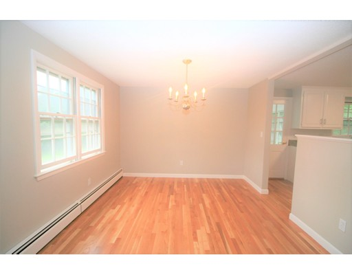 Picture 7 of 10 Silverbrook Rd  Topsfield Ma 3 Bedroom Single Family