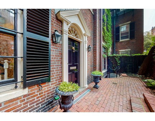 3 Beds, 3 Baths home in Boston for $2,825,000