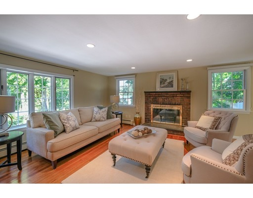 Picture 2 of 78 Riverview Cir  Wayland Ma 3 Bedroom Single Family