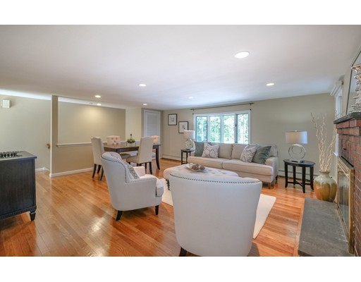 Picture 3 of 78 Riverview Cir  Wayland Ma 3 Bedroom Single Family
