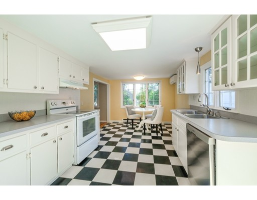 Picture 4 of 78 Riverview Cir  Wayland Ma 3 Bedroom Single Family