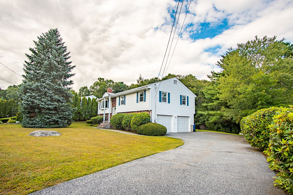21 Cutting Ln, Burlington, Massachusetts