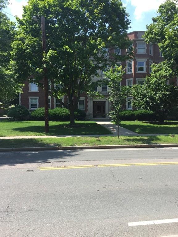 135 Pleasant St Unit 6, Arlington, Massachusetts