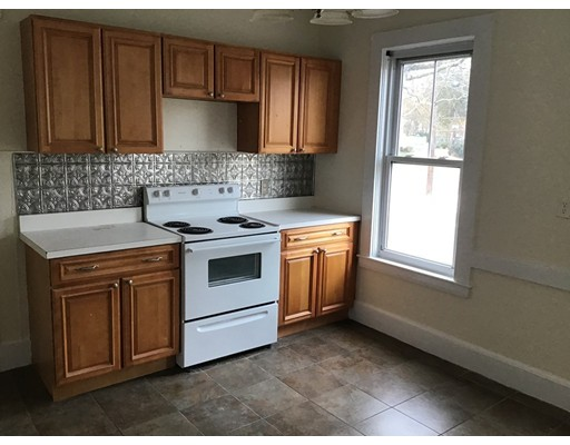 Picture 2 of 76 Pleasant St Unit 1 Wakefield Ma 2 Bedroom Rental