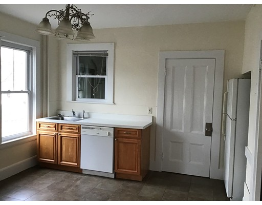 Picture 3 of 76 Pleasant St Unit 1 Wakefield Ma 2 Bedroom Rental
