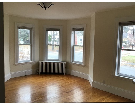 Picture 5 of 76 Pleasant St Unit 1 Wakefield Ma 2 Bedroom Rental