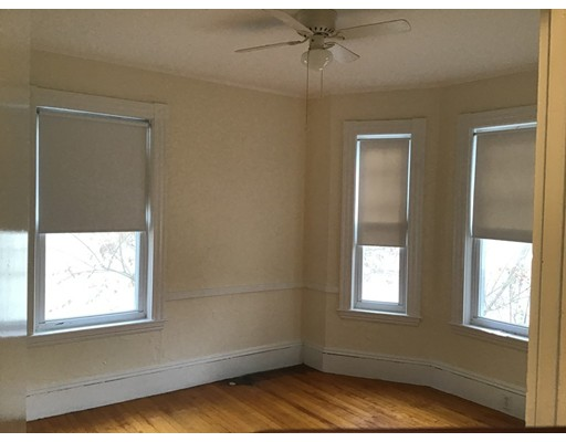 Picture 6 of 76 Pleasant St Unit 1 Wakefield Ma 2 Bedroom Rental