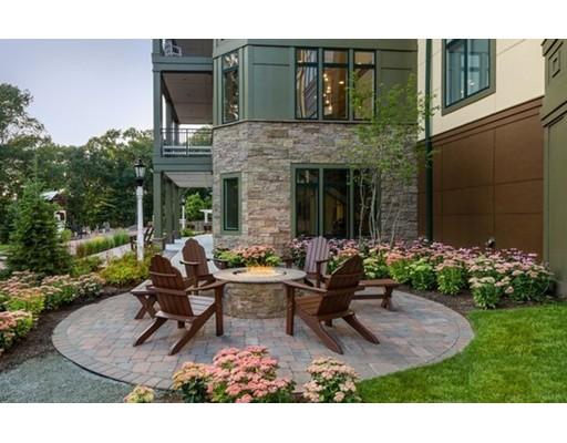 201 Estate Drive, 102 - Newton, MA