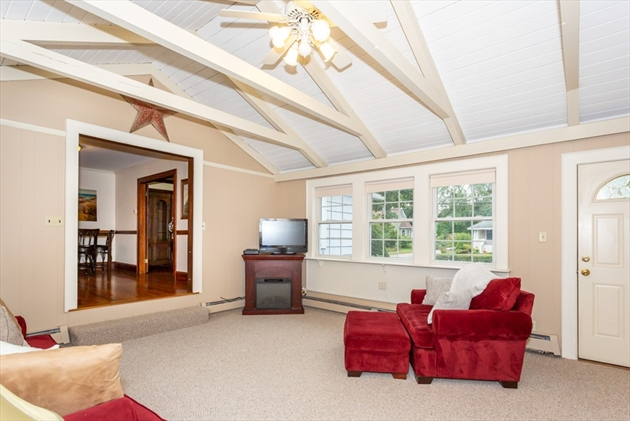 Picture 2 of 101 W Plain St  Wayland Ma 4 Bedroom Single Family