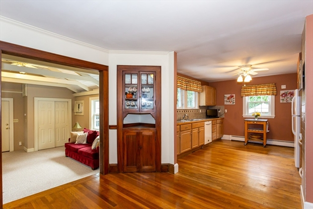 Picture 6 of 101 W Plain St  Wayland Ma 4 Bedroom Single Family
