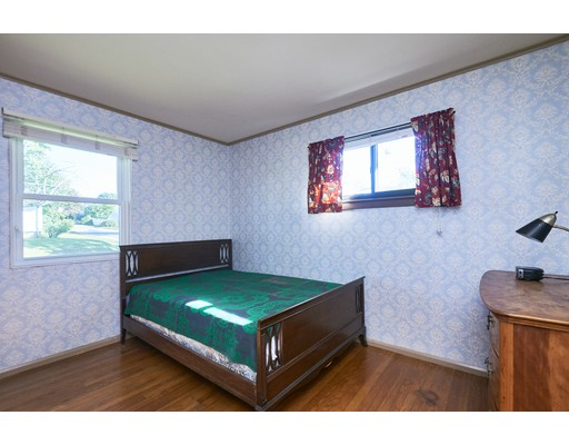Picture 11 of 81 Nyack St  Watertown Ma 3 Bedroom Single Family
