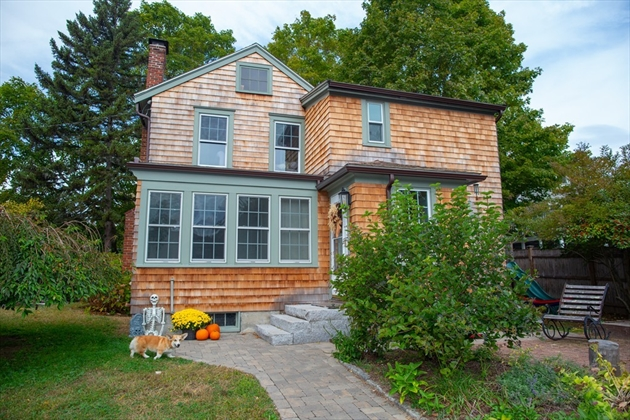 Picture 3 of 14 California St  Amesbury Ma 3 Bedroom Single Family