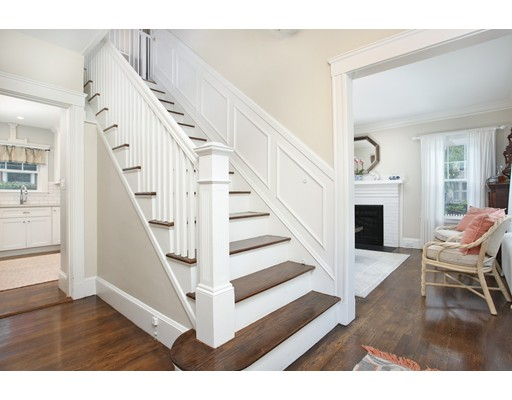 Picture 2 of 3 Avalon Rd  Milton Ma 3 Bedroom Single Family
