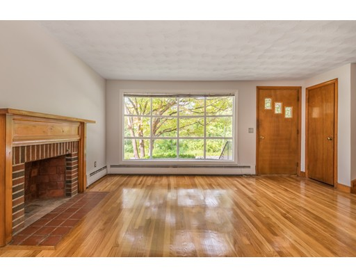 Picture 5 of 36 Redfield Rd  Wakefield Ma 4 Bedroom Single Family