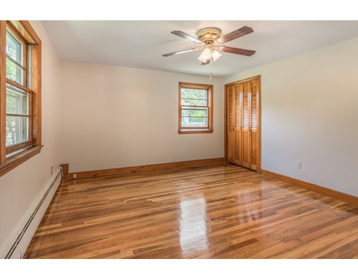 Picture 10 of 36 Redfield Rd  Wakefield Ma 4 Bedroom Single Family