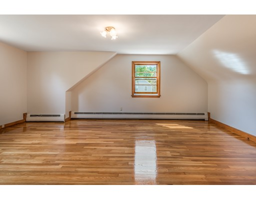 Picture 11 of 36 Redfield Rd  Wakefield Ma 4 Bedroom Single Family